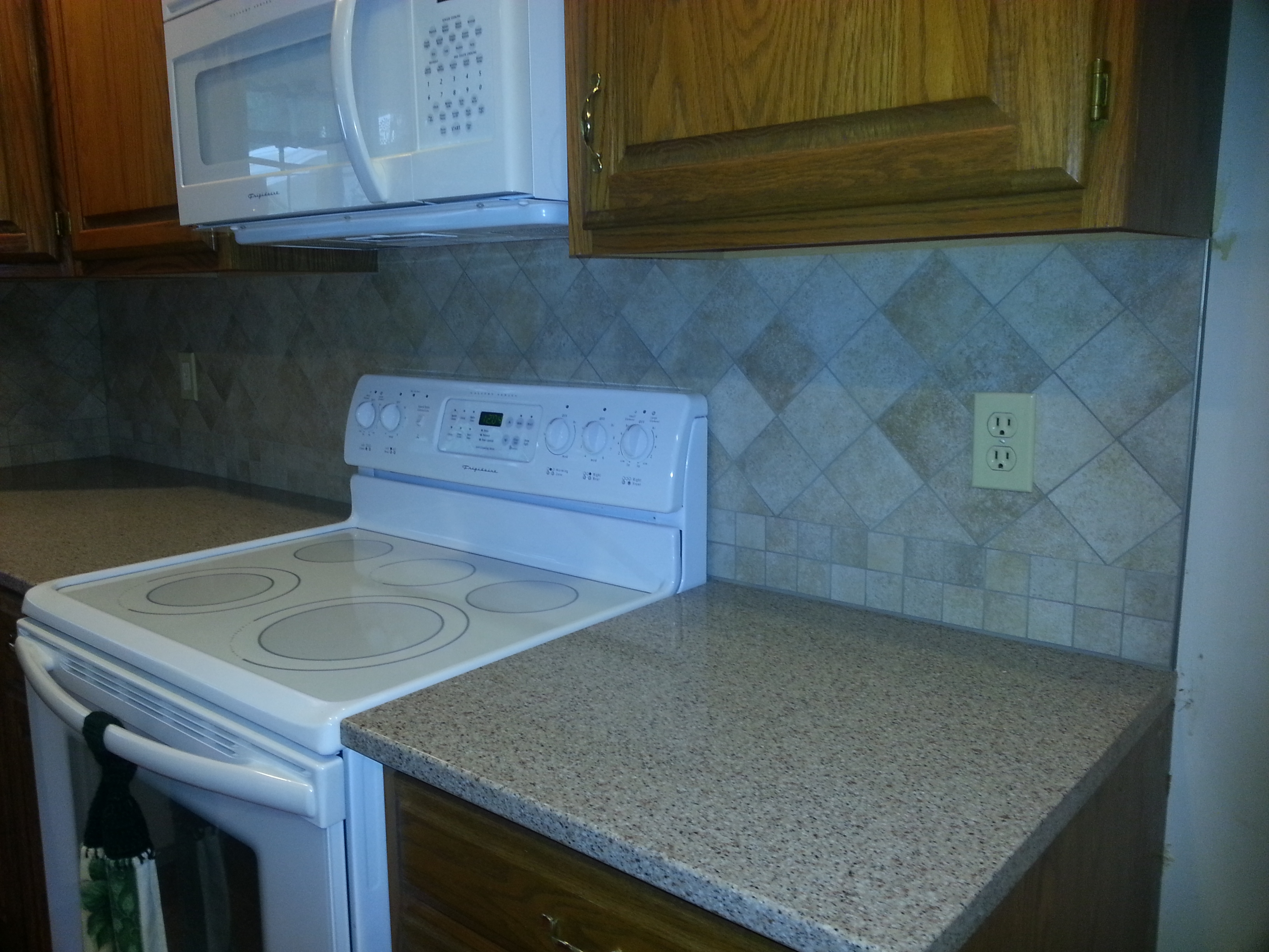 MaryAnne B - Cabinets2Countertops