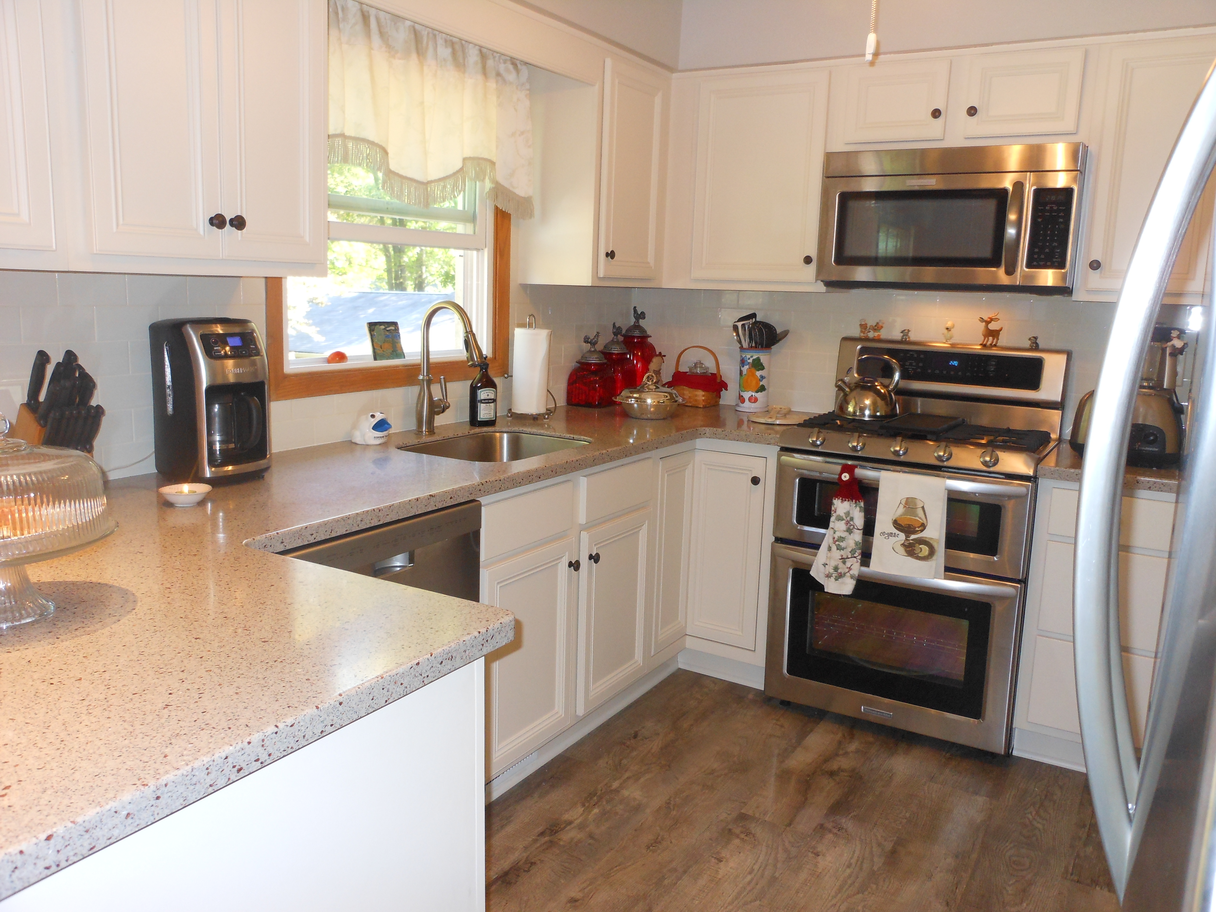 betsy r cabinets2countertops
